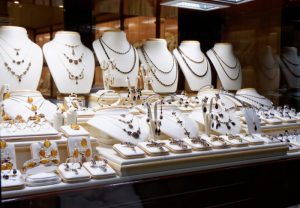 Select Latest From Fashion Jewelry Store