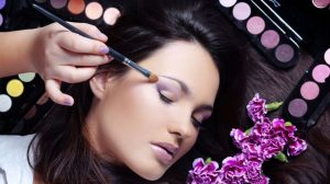 How Youthful Is Simply Too Youthful For Makeup?